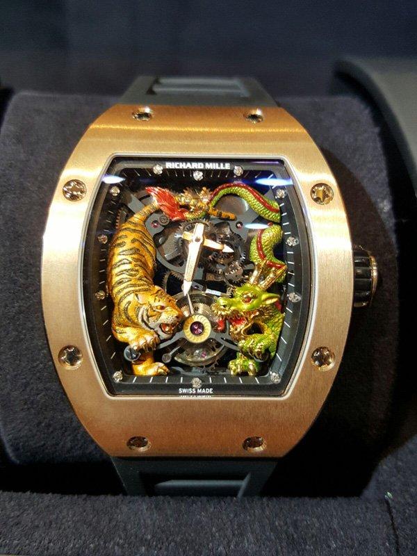 Chiếc đồng hồ Richard Mille phiên bản vàng hồng của đại gia Minh Nhựa