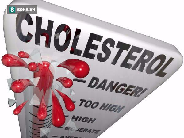 Vết phủ dày có màu tím báo hiệu nồng độ cholesterol cao