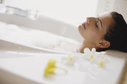 Cứ tưởng rằng tắm nước nóng sẽ tốt cho sức khỏe, thực tế nó lại mang đến những 'mối đe dọa' không ngờ - Ảnh 6.