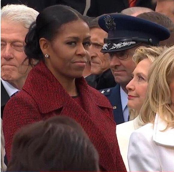Trong suốt buổi lễ nhậm chức của Donald Trump, ánh mắt của bà Michelle Obama liên tục được cư dân mạng chú ý. (Ảnh: dailymail)