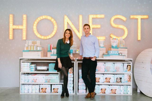 Ngay từ khi thành lập, công ty đã tung ra 17 sản phẩm khác nhau, hướng đến các bà mẹ trẻ. Hiện nay, The Honest đã có tới 200 nhân viên và 100 đầu sản phẩm về tất cả các lĩnh vực trong gia đình. Năm 2014, doanh thu của công ty đạt đỉnh điểm ở mức 150 triệu USD. Tháng 8/2014, The Honest được định giá gần 1 tỷ USD.