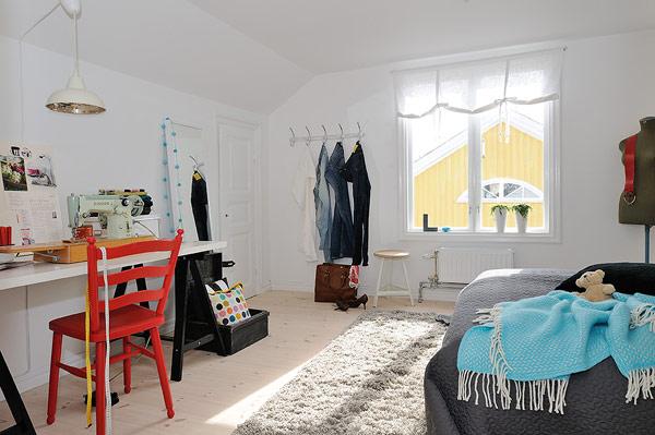 Không thiết kế mở như bếp và phòng khách, không gian nghỉ ngơi của chủ nhà được dành một phòng riêng biệt.