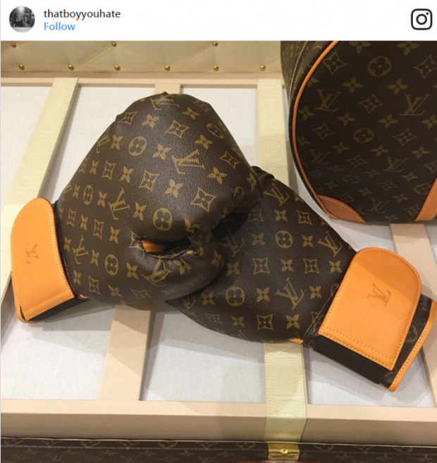 Đôi găng tay nằm trong bộ phụ kiện đấm bốc của hãng Luois Vuitton trị giá gần 4 tỷ đồng (175 nghìn USD), số lượng giới hạn chỉ 25 bộ.