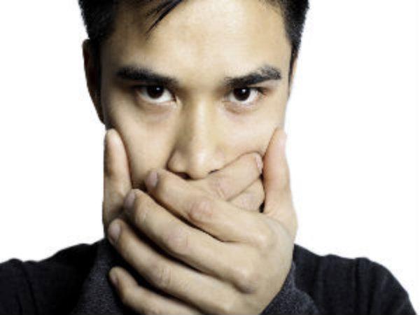 Giọng nói thay đổi: Ung thư thanh quản có thể khiến giọng nói của bạn bị ảnh hưởng đầu tiên và rõ rệt. Vì thế, nếu thấy giọng nói thay đổi bất thường bạn nên đi khám càng sớm càng tốt.