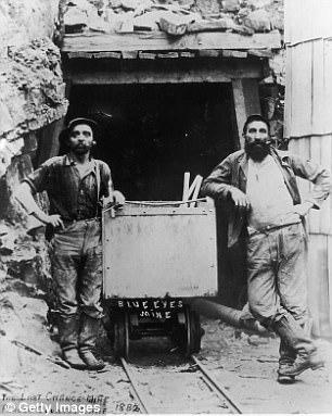 Quần jeans Levis đã được thợ mỏ tại California mặc từ năm 1882