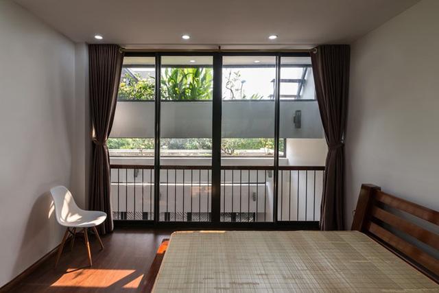Nhờ cách thiết kế các tầng mái độc đáo, các phòng chức năng trong nhà đều nhận được thông gió và ánh sáng tự nhiên.