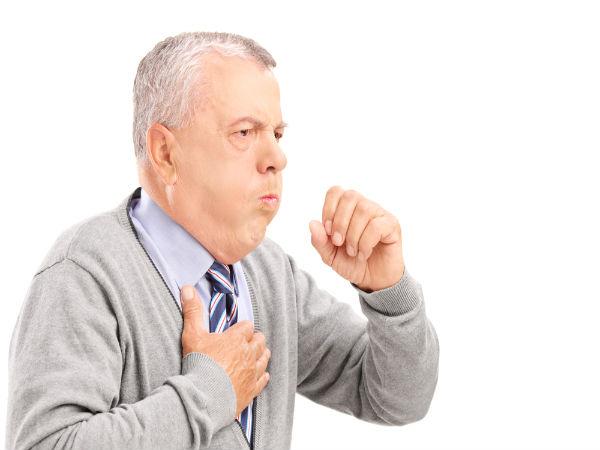 Ho dai dẳng kéo dài: Ung thư họng, ung thư phổi, ung thư thực quản và ung thư dạ dày có thể khiến bạn ho rất lâu. Nếu thường xuyên ho dai dẳng, ho ra máu bạn cần phải đặc biệt thận trọng.