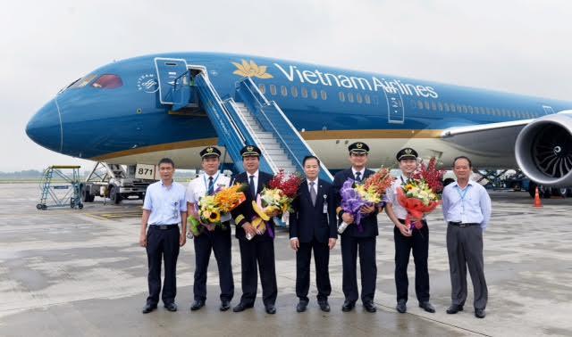 Lễ tiếp nhận tàu bay Boing 787-9 tại Nội Bài.