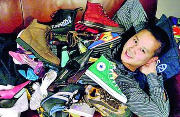 CEO của Zappos trở thành Tỷ phú bán giày.