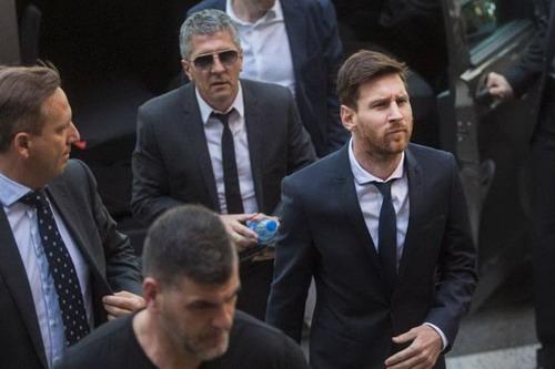Năm vận hạn của Messi vẫn chưa qua