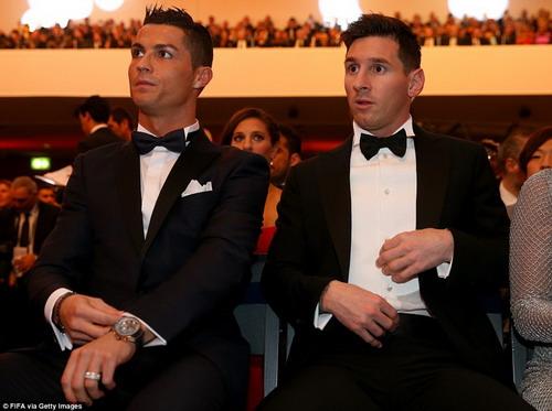 Messi và Ronaldo nổi danh trên sân cỏ và cả việc trốn thuế