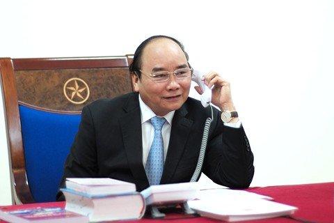 Thủ tướng Nguyễn Xuân Phúc điện đàm với Tổng thống đắc cử Hoa Kỳ Donald Trump - Ảnh: TTXVN