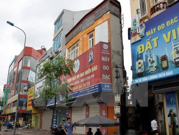 Một ngôi nhà siêu mỏng trên phố Tố Hữu. (Ảnh: Tuấn Anh/TTXVN)