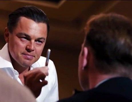 """Bạn sẽ làm gì nếu đi phỏng vấn và gặp phải câu hỏi kinh điển """"Bán cho tôi cây bút này""""?"""