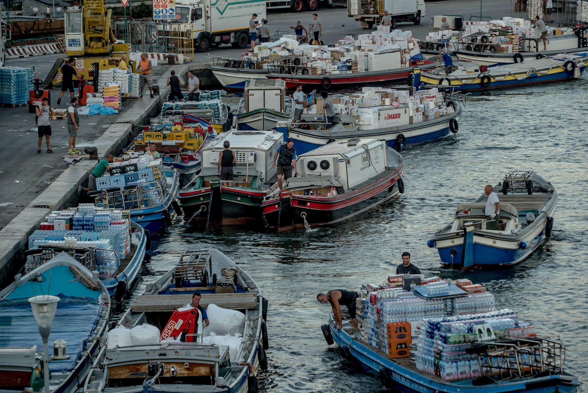 Venice: Thành phố tình yêu bị bức tử bởi… tình yêu - Ảnh 6.