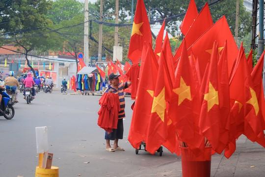 Sản phẩm cổ vũ đội tuyển U23 Việt Nam hút hàng chưa từng thấy - Ảnh 2.