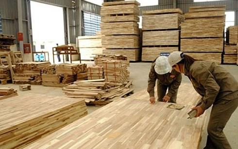Xuất khẩu lâm sản Việt Nam lần đầu tiên đạt 8 tỷ USD/năm - Ảnh 1.
