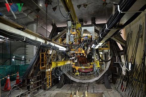 Robot 300 tấn bắt đầu khoan đường hầm thứ 2 tuyến metro số 1 - Ảnh 2.