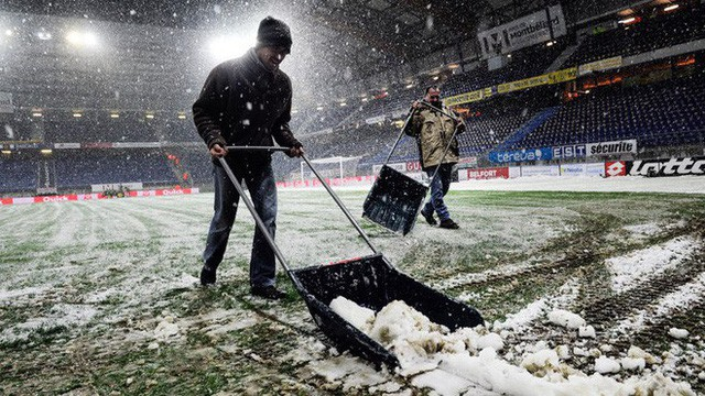 Tại sao những giải bóng đá hàng đầu ở châu Âu rất ít khi hoãn vì tuyết? - Ảnh 5.