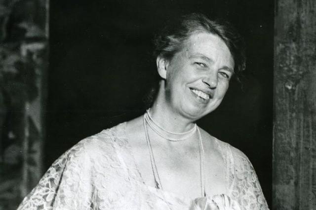 Là phụ nữ, đừng sợ thành công hay hạnh phúc không đến với mình: Những câu nói truyền cảm hứng của những người phụ nữ thành công qua mọi thời đại - Ảnh 1.