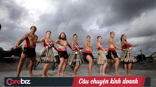 Quá ẩu khi sử dụng ngôn ngữ bản địa, Coca-Cola chào người Maori ở New Zealand không thể kinh khủng hơn: Xin chào, cái chết - Ảnh 2.