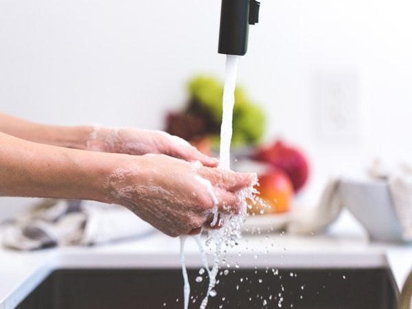 Rất nhiều người bị ngộ độc thực phẩm chỉ vì lý do này, đơn giản nhưng 97% người dân không thực hiện đúng cách - Ảnh 2.