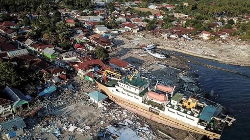 Indonesia lại rung chuyển vì hàng loạt dư chấn mạnh - Ảnh 1.