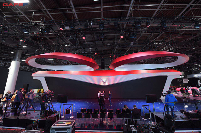 Hai mẫu xe của VinFast sắp ra mắt ấn tượng tại Paris Motor Show 2018 - Ảnh 2.