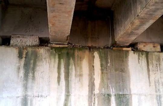 Hai cầu trên đường cao tốc Đà Nẵng – Quảng Ngãi bị thấm nước mưa - Ảnh 4.