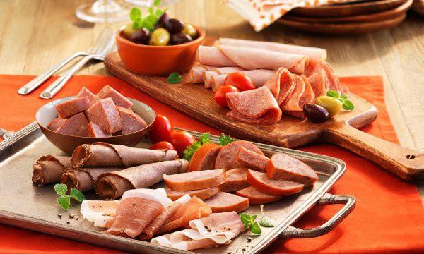 Ăn nhiều thực phẩm có tính axit có thể ảnh hưởng và gây loãng xương: Những thực phẩm giàu axit bạn nên hạn chế - Ảnh 2.