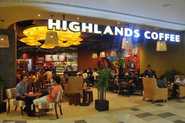 Bình dân hóa - Chiến lược giúp Highlands trở thành chuỗi cà phê bá chủ ở Việt Nam, khiến Starbucks và Trung Nguyên cũng phải hít khói - Ảnh 1.