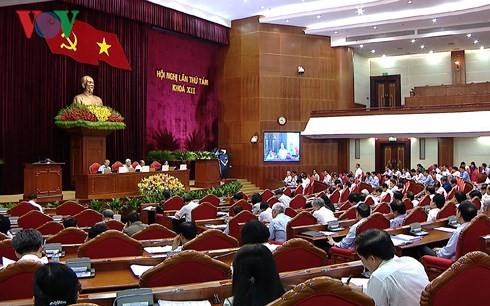 Ủy viên Bộ Chính trị, Ban Bí thư không tranh công đổ lỗi - Ảnh 1.