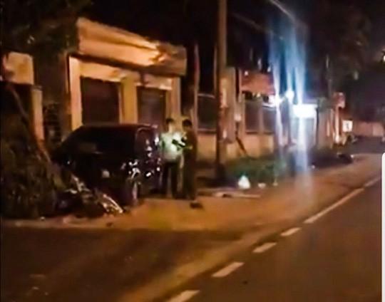 Phó công an thị xã ở Bình Phước đi ô tô gây tai nạn liên hoàn khiến 2 người nhập viện - Ảnh 1.