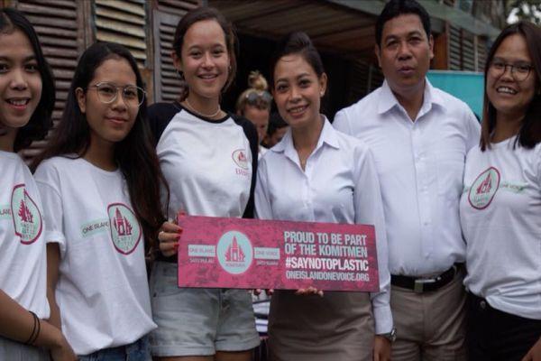 Câu chuyện truyền cảm hứng về cô gái 17 tuổi và thành công với chiến dịch làm sạch đất nước bị ô nhiễm bởi túi nilon thứ 2 thế giới - Ảnh 5.