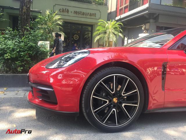 Chiếc Porsche Panamera hàng độc với gói tùy chọn trị giá cả tỷ đồng lăn bánh trên phố Hà Nội - Ảnh 4.