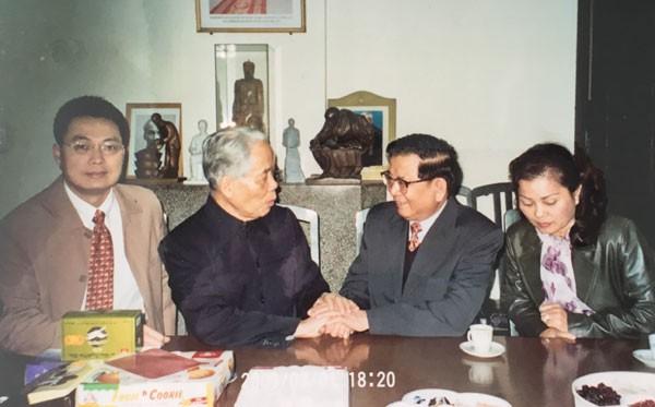 Nguyên Tổng Bí thư Đỗ Mười: Người tạo bước ngoặt cho ngoại giao Việt Nam - Ảnh 1.