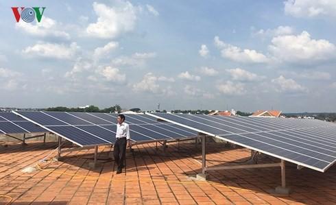 EVN đã ký 35 hợp đồng mua bán điện mặt trời - Ảnh 1.