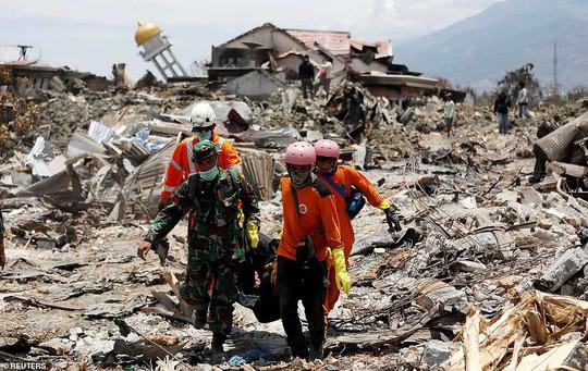 Sóng thần Indonesia: Cận cảnh đất hóa lỏng nhấn chìm cả làng - Ảnh 2.