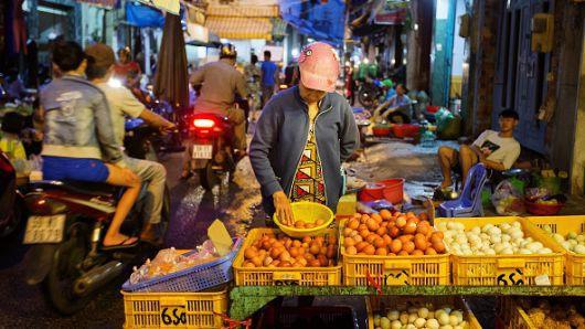 Từ bình luận không phải ngẫu nhiên Samsung đầu tư hơn 17 tỷ USD vào Việt Nam đến lý lẽ về thời vận mới của nước ta giữa lúc Trade War nóng bỏng của SMCP - Ảnh 3.