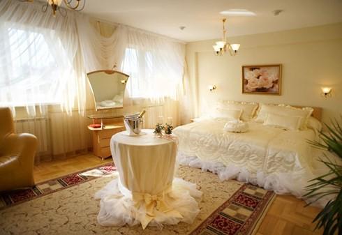 Những tông màu giúp phòng cưới của bạn thêm lãng mạn - Ảnh 5.