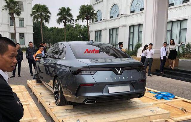 HOT: Khui công sedan VinFast Lux A2.0 tại Việt Nam - Ảnh 1.