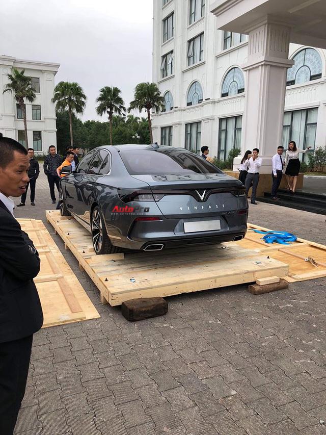 HOT: Khui công sedan VinFast Lux A2.0 tại Việt Nam - Ảnh 3.