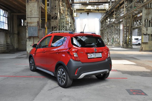 Chassis with cheap VinFast Fadil cars looking at Chevrolet Spark, Opel Karl - Photo 2.