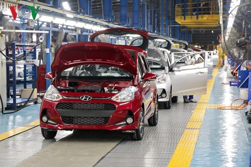 Vì sao giá ô tô sản xuất trong nước vẫn cao hơn xe nhập khẩu từ ASEAN? - Ảnh 3.