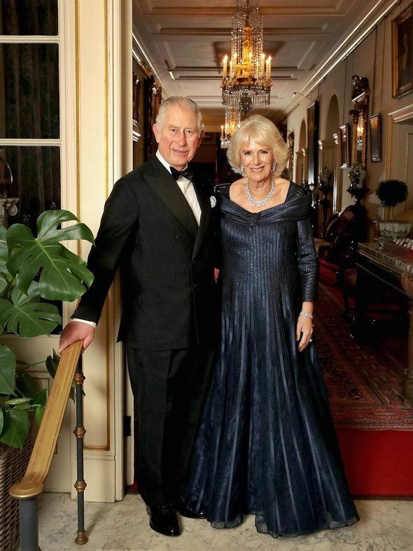 Cuối cùng, bà Camilla đã có được sự phê chuẩn của Nữ hoàng Anh, danh chính ngôn thuận lên ngôi hoàng hậu - Ảnh 1.