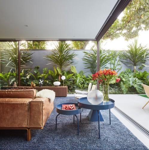 Ngôi nhà 2 tầng có vườn cây xanh tốt bao quanh - Ảnh 6.