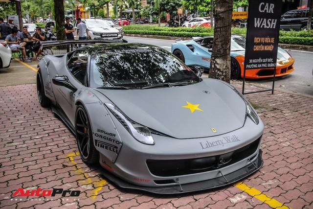 Dàn siêu xe Ferrari rủ nhau đi làm đẹp tại Sài Gòn - Ảnh 1.