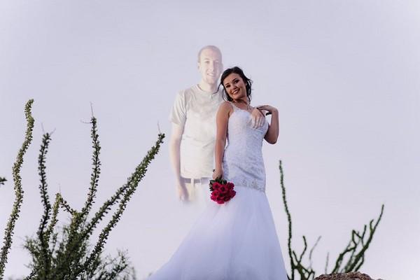 Đây mới là bộ ảnh cưới chạm đáy những trái tim yêu: Hãy giữ chặt lấy nhau khi còn có thể! - Ảnh 7.