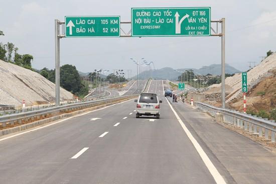Đêm nay, thông xe tuyến cao tốc Nội Bài - Lào Cai - Ảnh 1.