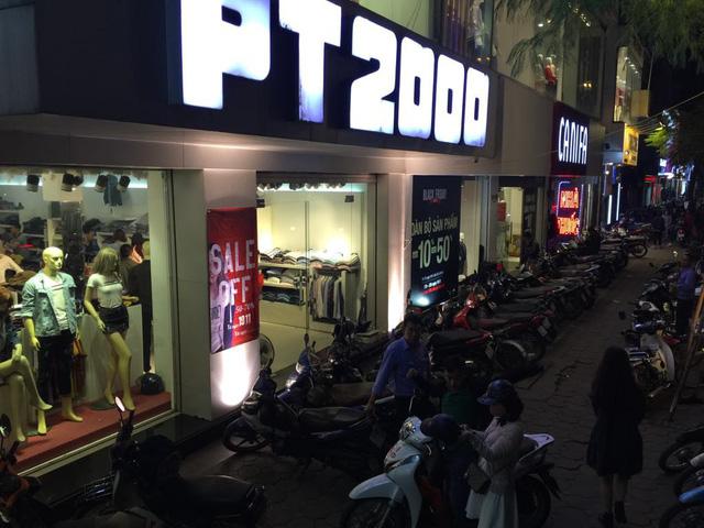 Chưa đến Black Friday, hàng loạt cửa hàng đã treo biển giảm giá - Ảnh 4.
